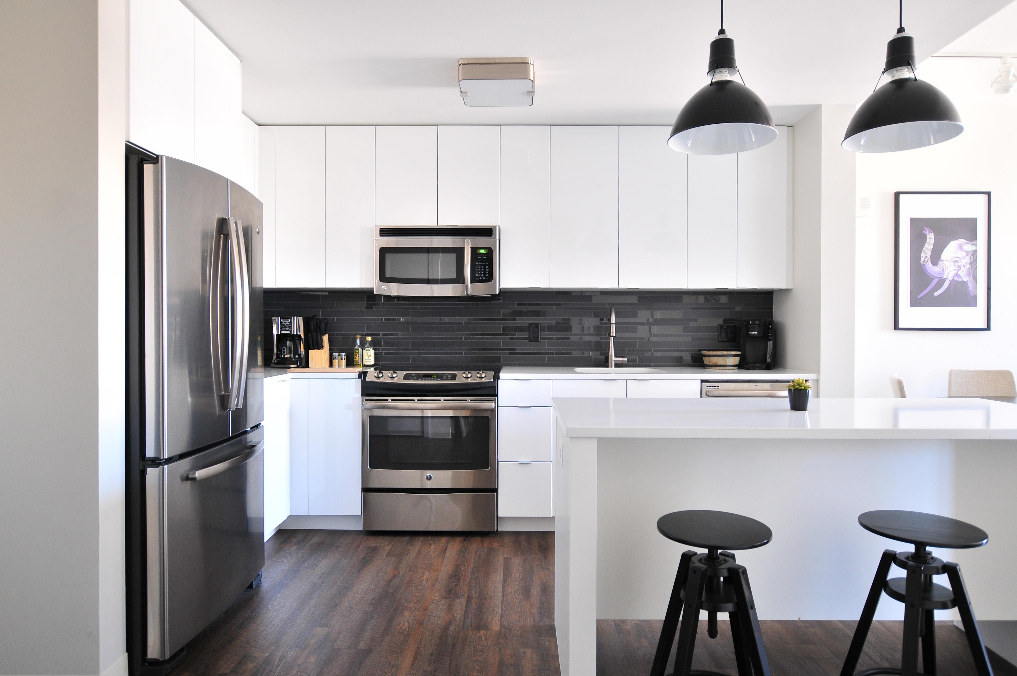 d couvrez quelques crit res pour choisir un r frig rateur. Black Bedroom Furniture Sets. Home Design Ideas