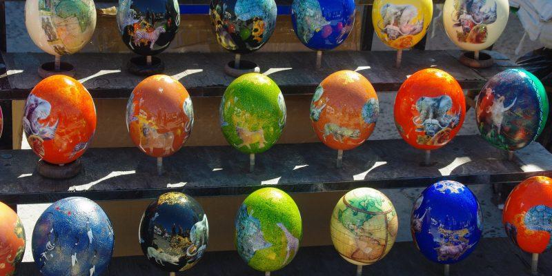 Comment décorer un œuf d'autruche?