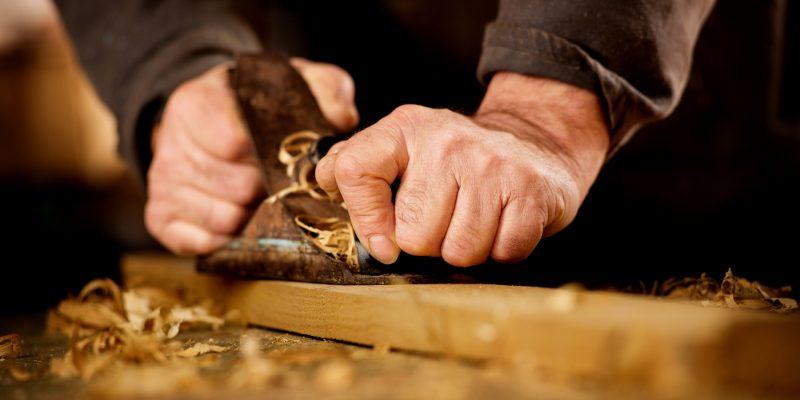 Un artisan-ébéniste pour vos nouveaux meubles en bois