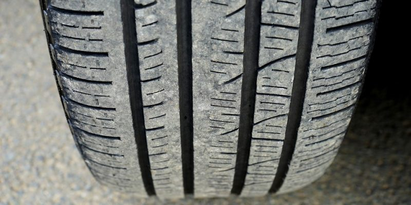 Vérifiez régulièrement l'état d'usure de vos pneus