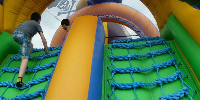 Pourquoi réserver une structure gonflable pour un anniversaire?