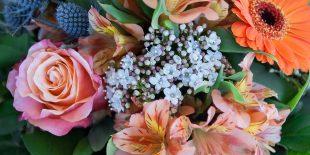 Comment créer des compositions florales?